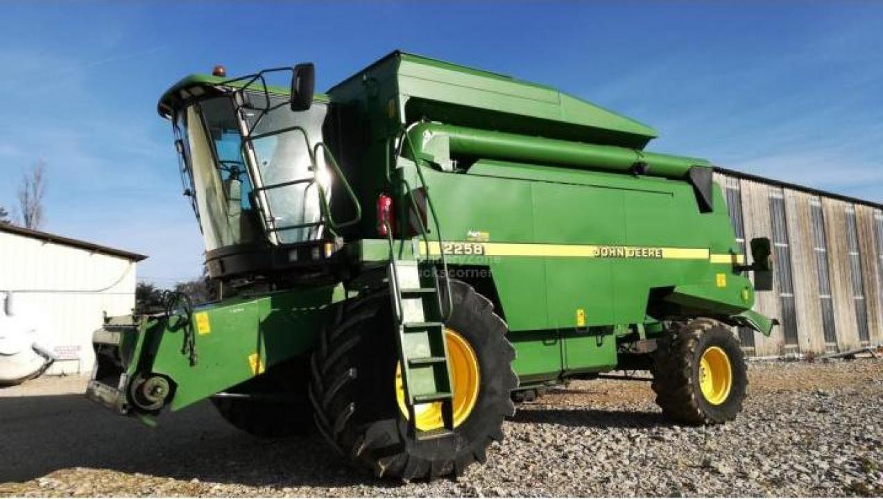 Combina agricola John Deere 2258